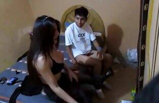 Geile Hausfrau bekommt reife damen filme eine Ladung Sperma auf ihren Hintern!