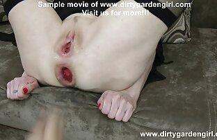 Busty Blonde Bombshell packt einen Hitachi & reibt reife frauen sexvideos es!