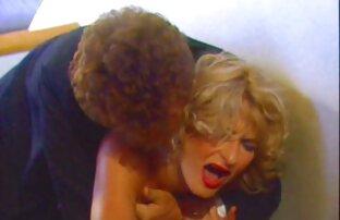 Naughty Cute video sex mit reifer frau Shemale Babe Wichst Ihren Harten Schwanz